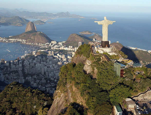 По типу визы в Бразилию...